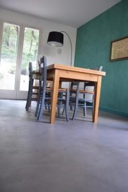 Photo de béton ciré dans une cuisine : témoignage
