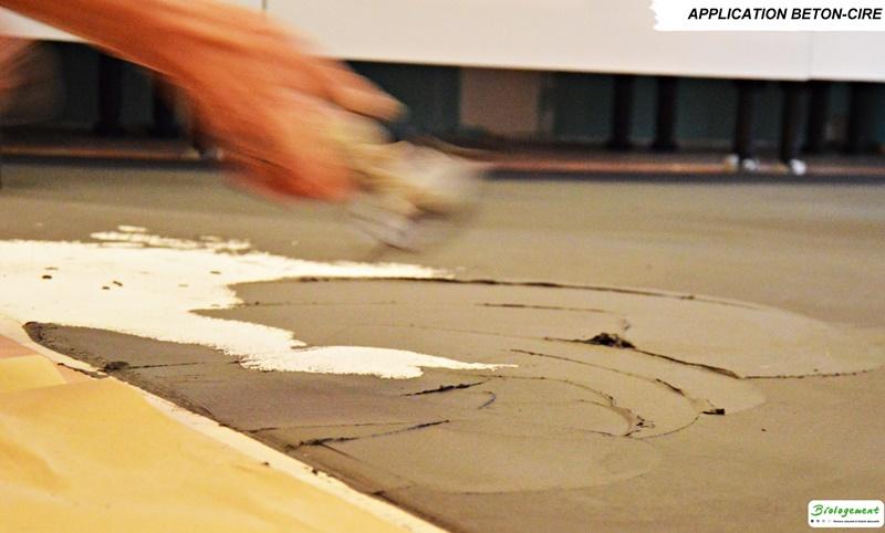 Etape 3 : 1ère couche de béton ciré - pose béton ciré