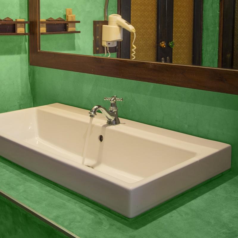 Béton ciré salle de bain lavabo