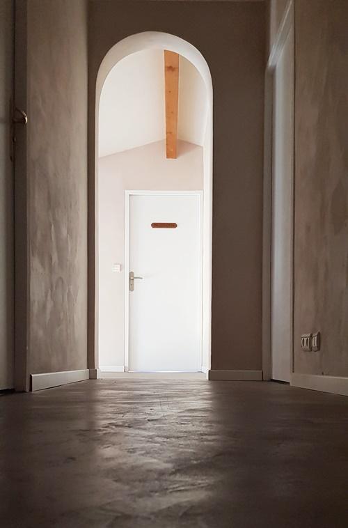 couloir.beton.cire