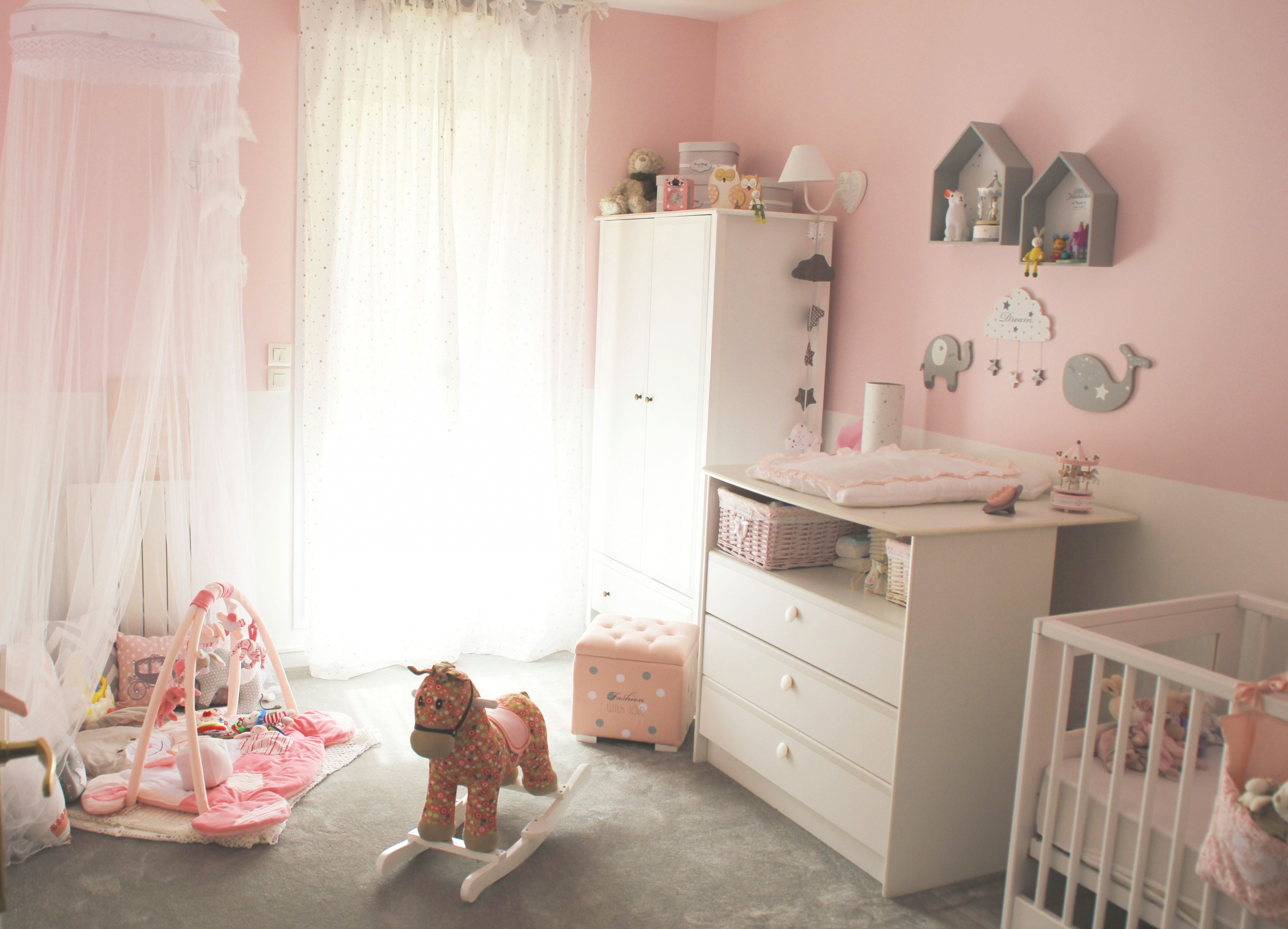 rose pale bebe