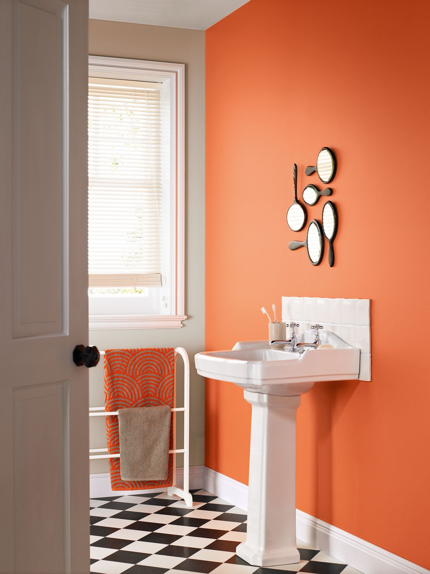 https://www.biologement.fr/img/cms/peinture%20salle%20de%20bain/orange.jpg