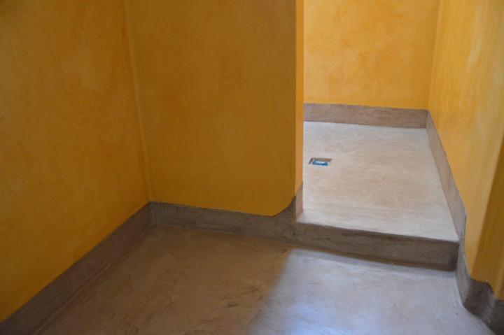 Salle de bain en tadelakt et béton ciré à Eoure (13011)